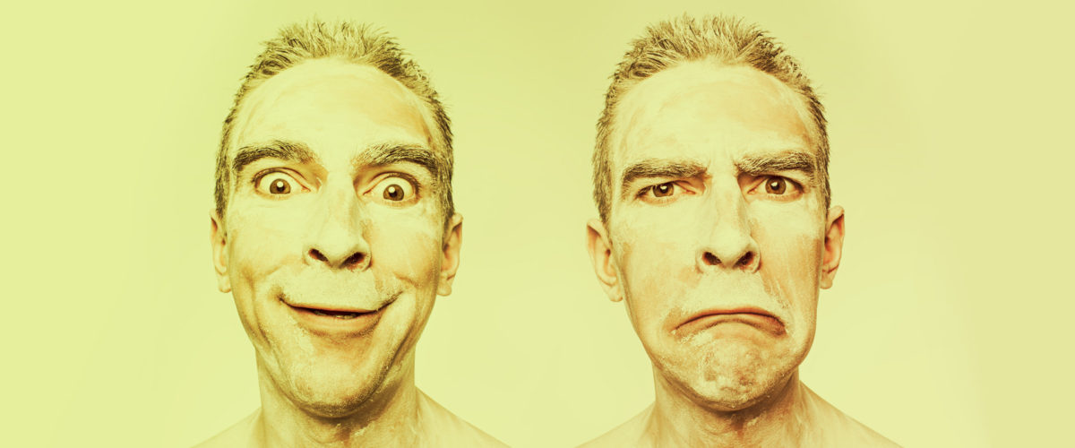 Facial man expression - happy vs angry - famille vs travail
