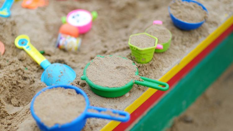 Multiples petits accessoires de jeu pour carré de sable