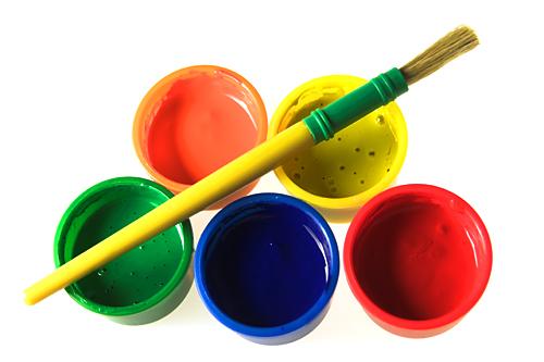 colors red blue yellow green faisant références aux différentes valeurs de l'entreprise