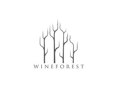 4 arbres qui forment des bouteilles de vin grâce à leurs courbes